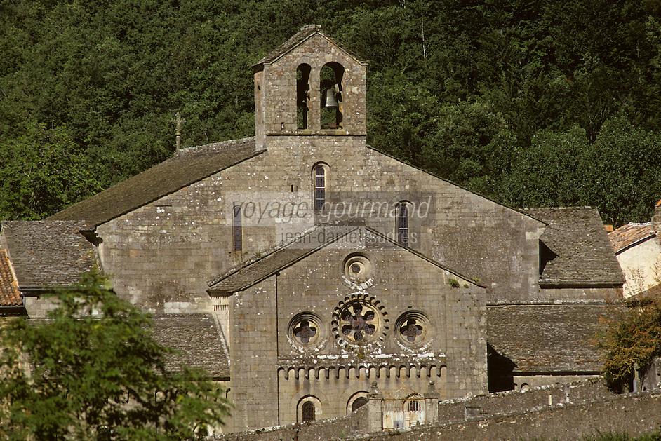 Europe/France/Midi-Pyrénées/12/Aveyron/Sylvanès : Abbaye de Sylvanès -Ancienne abbaye Cistercienne classée monument historique en 1854