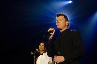 SAO PAULO, SP, 11.04.2014 - SHOW RICK ASTLEY: Pela primeira vez no Brasil, o cantor britânico Rick Astley se apresentou na noite desta sexta feira (11) no HSBC Hall, na zona sul de São Paulo. (Foto: Levi Bianco - Brazil Photo Press)