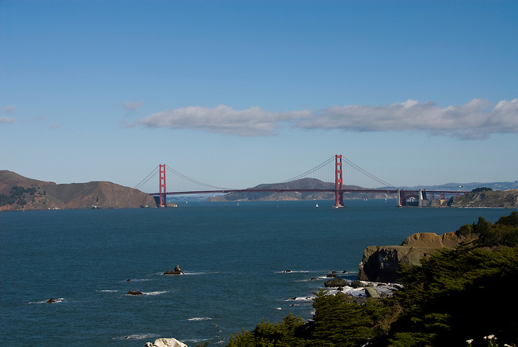 California: San Francisco. Land's End view of the Golden Gate. Photo copyright Lee Foster. Photo #: 25-casanf75712