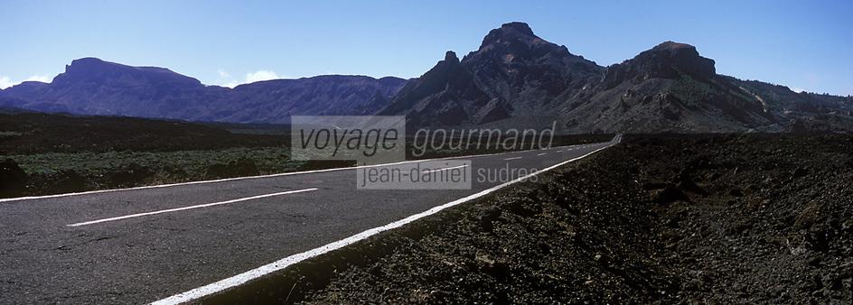 Europe/Espagne/Iles Canaries/Tenerife/Parc National de Téide: Route traversant le plateau volcanique
