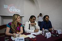 Presentan la 12&deg; edici&oacute;n del EITAI<br />  <br /> <br /> En rueda de prensa, se dio a conocer la programaci&oacute;n de la d&eacute;cima segunda edici&oacute;n del Festival del Encuentro Internacional de Teatro Alternativas e Investigaci&oacute;n (EITAI), que se llevar&aacute; a cabo del 24 de junio al 2 de julio.<br /> <br /> Con la presencia de la secretaria de Cultura, Paulina Aguado Romero; Jes&uacute;s Noyola coordinador del festival; el actor y director esc&eacute;nico Uriel Bravo y Gabriel H&ouml;rner, director del Museo de la Ciudad, se dieron a conocer los pormenores de la programaci&oacute;n que comprender&aacute; la doceava edici&oacute;n de este encuentro que re&uacute;ne el trabajo de m&uacute;ltiples compa&ntilde;&iacute;as locales, nacionales e internacionales, adem&aacute;s de ofrecer actividades acad&eacute;micas y talleres que acercan al p&uacute;blico, a los aficionados y profesionales que gustan del arte esc&eacute;nico.<br /> <br /> El programa abarca, adem&aacute;s de conferencias y talleres formativos, un total de 15 espect&aacute;culos entre teatro, danza contempor&aacute;nea, circo, performance y un concierto.<br /> <br /> El Museo de la Ciudad ser&aacute; la sede principal del encuentro, que tambi&eacute;n llevar&aacute; funciones de espect&aacute;culos art&iacute;sticos a Amealco, Zacatecas, Los Reyes (Michoac&aacute;n), Celaya y Le&oacute;n.<br /> <br /> Entre las actividades formativas del EITAI se incluyen talleres de marionetas, improvisaci&oacute;n, fotograf&iacute;a y direcci&oacute;n esc&eacute;nica, as&iacute; como un ciclo de conferencias.<br /> <br /> Desde su creaci&oacute;n en 2006, el EITAI se ha dedicado a mostrar en Quer&eacute;taro trabajos de investigaci&oacute;n y producci&oacute;n de diversas disciplinas esc&eacute;nicas realizados por grupos nacionales y extranjeros; este a&ntilde;o, entre los participantes extranjeros est&aacute;n la agrupaci&oacute;n de danza Igualdesigual y el artista de performance Edwin S