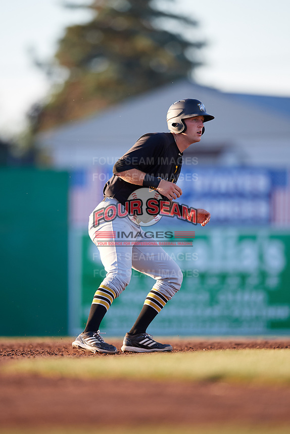 West Virginia Black Bears first baseman Luke Mangieri (39) leads off second base during a game against the Batavia Muckdogs on July 3, 2018 at Dwyer Stadium in Batavia, New York.  Batavia defeated West Virginia 5-4.  (Mike Janes/Four Seam Images)