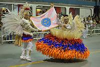 SÃO PAULO, SP, 09.03.2019 - CARNAVAL-SP - Integrante da escola de samba Rosas de Ouro durante Desfile das Campeãs do Carnaval de São Paulo, no Sambódromo do Anhembi em São Paulo, na madrugada deste sabado, 09. (Foto: Levi Bianco/Brazil Photo Press)