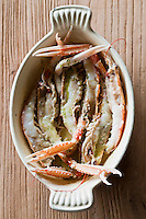 Europe/France/Bretagne/56/Morbihan/La Gacilly:  Langoustine rôtie entière au beurre de recette de Gilles Le Gallès Chef du Restaurant: La Grée des Landes, Eco-Hôtel Spa Yves Rocher [Non destiné à un usage publicitaire - Not intended for an advertising use]