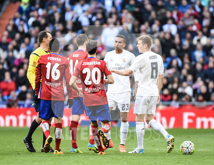 Real Madrid´s Danilo, Toni Kroos and Atletico de Madrid´s Correa, Juanfran and Gabi during 2015/16 La Liga match between Real Madrid and Atletico de Madrid at Santiago Bernabeu stadium in Madrid, Spain. February 27, 2016. (ALTERPHOTOS/Javier Comos)
