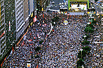 Comício por Eleições Diretas no Rio de Janeiro. 1984. Foto de Ricardo Azoury.