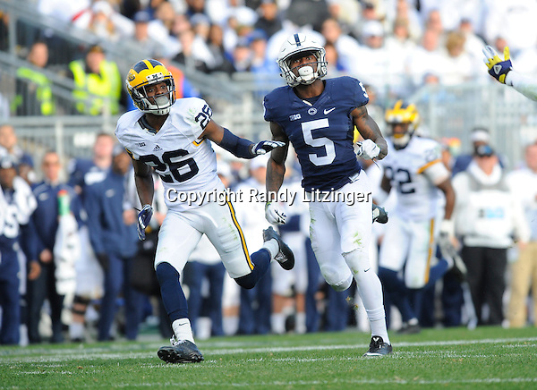 21 November 2015:  Michigan CB Jourdan Lewis (26) covers Penn State WR DaeSean Hamilton (5). The Michigan Wolverines defeated the Penn State Nittany Lions 28-16 at Beaver Stadium in State College, PA. (Photo by Randy Litzinger/Icon Sportswire)