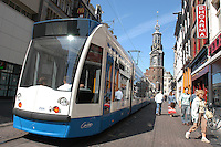 AMSTERDAM-HOLANDA-  Vista del tranvía por el centro de la ciudad./ View of a tram in the downtown. Photo: VizzorImage/STR