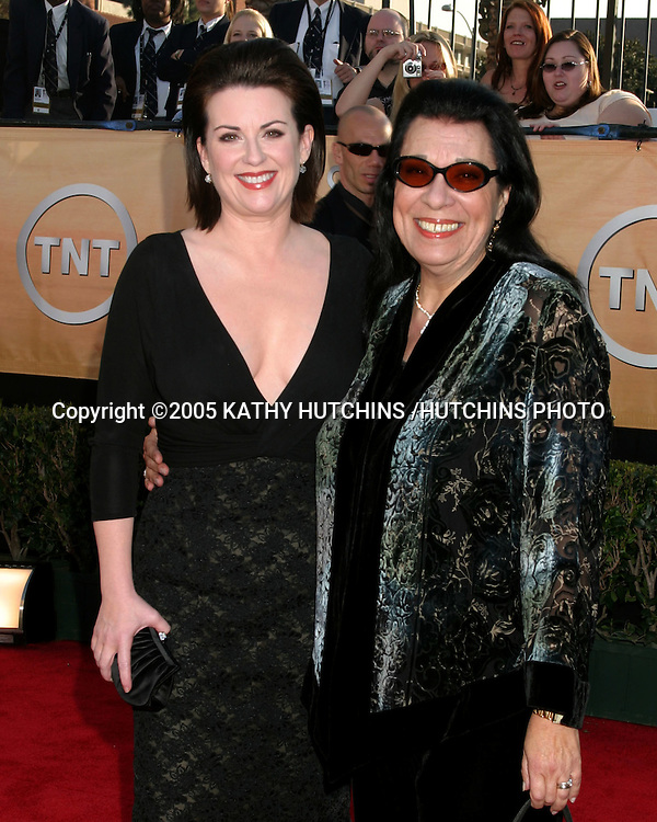 ©2005 KATHY HUTCHINS /HUTCHINS PHOTO.11TH SCREEN ACTOR'S GUILD AWARDS.SHRINE AUDITORIUM.LOS ANGELES, CA.FEBRUARY 5, 2005..MEGAN MULLALLY.SHELLEY MORRISON