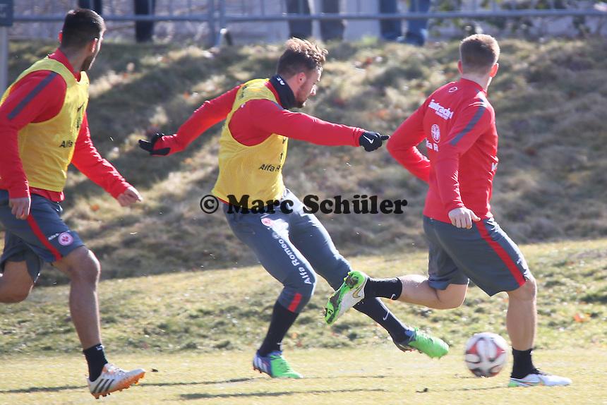 Haris Seferovic (Eintracht) zieht ab - Eintracht Frankfurt Training, Commerzbank Arena