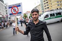 Ca. 1000 Menschen protestierten am Samstag den 11. Juli 2015 in Berlin mit einer Demonstration anlaesslich des anti-israelischen Al Quds-Tag. Sie riefen Parolen wie &quot;Kindermoerder Israel&quot; und &quot;Israel raus aus Palaestina&quot;.<br /> Am sogenannten Al Quds-Tag protestieren weltweit Muslime gegen die Besetzung der palaestinensischen Gebiete durch Israel.<br /> Etwa 2050 bis 300 Menschen protestierten gegen die Demonstration.<br /> 11.7.2015, Berlin<br /> Copyright: Christian-Ditsch.de<br /> [Inhaltsveraendernde Manipulation des Fotos nur nach ausdruecklicher Genehmigung des Fotografen. Vereinbarungen ueber Abtretung von Persoenlichkeitsrechten/Model Release der abgebildeten Person/Personen liegen nicht vor. NO MODEL RELEASE! Nur fuer Redaktionelle Zwecke. Don't publish without copyright Christian-Ditsch.de, Veroeffentlichung nur mit Fotografennennung, sowie gegen Honorar, MwSt. und Beleg. Konto: I N G - D i B a, IBAN DE58500105175400192269, BIC INGDDEFFXXX, Kontakt: post@christian-ditsch.de<br /> Bei der Bearbeitung der Dateiinformationen darf die Urheberkennzeichnung in den EXIF- und  IPTC-Daten nicht entfernt werden, diese sind in digitalen Medien nach &sect;95c UrhG rechtlich geschuetzt. Der Urhebervermerk wird gemaess &sect;13 UrhG verlangt.]