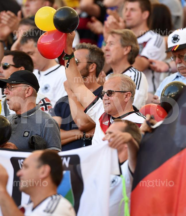 FUSSBALL WM 2014                FINALE Deutschland - Argentinien     13.07.2014 Fritz Keller (Praesident SC Freiburg) fiebert auf der Tribuene mit
