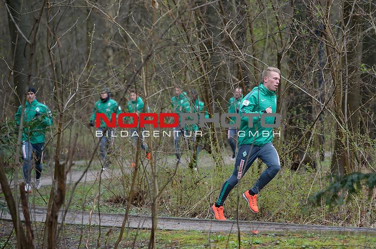 30.03.2015, B&uuml;rgerpark, Bremen, GER, 1.FBL, Training Werder Bremen, im Bild Janek Sternberg (Bremen #37)<br /> <br /> Foto &copy; nordphoto / Frisch