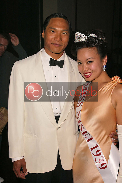 Jason Scott Lee and Gina Hiraizumi
