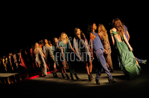 Rio de Janeiro, Brasil – 14/01/2011 - Desfile da Espaco Fashion durante o Fashion Rio  -  Inverno 2011. Foto : Gabriel Cappelletti / Agência Fotosite