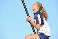 FIERLJEPPEN: IJLST: 07-08-2014, Marrit van der Wal springt Fries record 16,57m, ©foto Martin de Jong