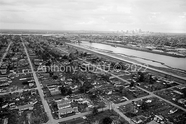 New Orleans, Louisiana.USA.July 31, 2006..Aerials of New Orleans nearly one year after hurricane Katrina hit and the levees broke. Nearly 80% of the city was flooded...Most of the homes in the lower ninth ward remain as they did after the water was drained. A new levee wall was put in place for the current hurricane season. Some of the homes near the levee that broke have been removed...