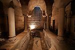 20050519 - France - Dijon<br /> REPORTAGE SUR LA VILLE DE DIJON : LA CRYPTE DE LA CATHEDRALE SAINT-BENIGNE<br /> Ref: DIJON_001-148 - © Philippe Noisette