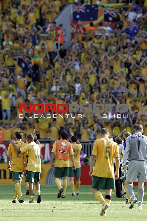 FIFA WM 2006 -  Round of Sixteen - / Viertelfinale <br /> Play      #53 (26-Jun) - Italien - Australien<br /> <br /> enttaeuscht nach dem Ausscheiden Australien<br /> <br /> <br /> Foto &copy; nordphoto