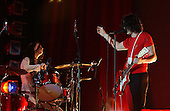 WHITE STRIPES (2003)