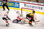 Bergmann, Lean (Iserlohn Roosters)\Senn, Gilles (#62 Schweiz) \ beim Spiel Deutschland (dunkel) -  Schweiz (hell).<br /> <br /> Foto &copy; PIX-Sportfotos *** Foto ist honorarpflichtig! *** Auf Anfrage in hoeherer Qualitaet/Aufloesung. Belegexemplar erbeten. Veroeffentlichung ausschliesslich fuer journalistisch-publizistische Zwecke. For editorial use only.