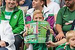 05.08.2017, Weserstadion, Bremen, GER, FSP, SV Werder Bremen (GER) vs FC Valencia (ESP)<br /> <br /> im Bild<br /> junger Werder Fan mit Heimspiel Magazin auf Trib&uuml;ne, <br /> <br /> Foto &copy; nordphoto / Ewert