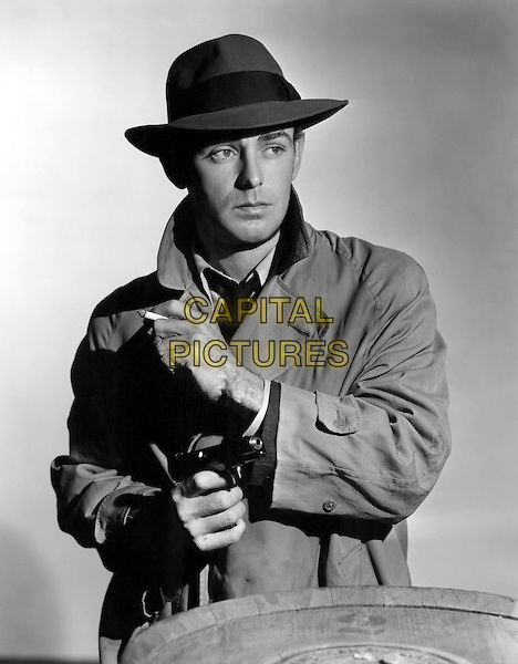 Alan Ladd<br /> in This Gun for Hire (1942) <br /> *Filmstill - Editorial Use Only*<br /> CAP/NFS<br /> Image supplied by Capital Pictures