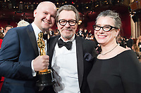 Oscar&reg; winners David Malinowski and Gary Oldman with his wife during The 90th Oscars&reg; at the Dolby&reg; Theatre in Hollywood, CA on Sunday, March 4, 2018.<br /> *Editorial Use Only*<br /> CAP/PLF/AMPAS<br /> Supplied by Capital Pictures
