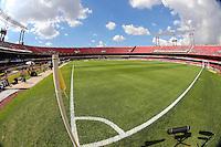 SAO PAULO, SP, 03 MARCO 2013 - PAULISTAO - SAN X COR - Estadio com poucos torcedores antes da partida do Santos e Corinthians, válida pelo Campeonato Paulista 2013, no Estádio do Morumbi em São Paulo (SP), neste domingo (3).FOTO: VANESSA CARVALHO - BRAZIL PHOTO PRESS .