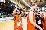 S&ouml;dert&auml;lje 2015-02-07 Basket Basketligan S&ouml;dert&auml;lje Kings - Bor&aring;s Basket :  <br /> Bor&aring;s James Miller JJ Jr jublar med lagkamrater efter matchen mellan S&ouml;dert&auml;lje Kings och Bor&aring;s Basket <br /> (Foto: Kenta J&ouml;nsson) Nyckelord:  S&ouml;dert&auml;lje Kings SBBK T&auml;ljehallen Bor&aring;s Basket jubel gl&auml;dje lycka glad happy