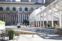 NOVA YORK, EUA, 05.03.2020 - TURISMO-EUA - Operarios realizam desmontagem da Winter Village e Ice Rink no Bryant Park em Nova York. (Foto: Vanessa Carvalho/Brazil Photo Press)