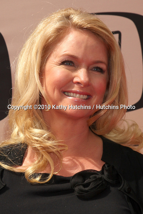 Donna Dixon.arrives at the 2010 TV Land Awards.Sony Studios.Culver City, CA.April 17, 2010.©2010 Kathy Hutchins / Hutchins Photo...