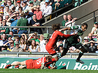 Twickenham, GREAT BRITAIN, Exiles',  Sailosi TAGICAKIBAU, breaking through the Toulouse defence to score a second half try, during the Heineken, Semi Final, Cup Rugby Match,  London Irish vs Toulouse, at the Twickenham Stadium on Sat 26.04.2008 [Photo, Peter Spurrier/Intersport-images]