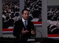 ATENCAO EDITOR FOTO EMBARGADA PARA VEICULO INTERNACIONAL - SAO PAULO, SP , 24 DE SETEMBRO 2012 - DEBATE TV GAZETA - O candidato a prefeitura da cidade de Sao Paulo, Celso Russannno (PRB) durante debate do primeiro turno da tv Gazeta na noite desta segunda-feira, 24 na sede da tv na avenida Paulista. FOTO: VANESSA CARVALHO / BRAZIL PHOTO PRESS.