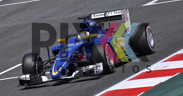 Barcelona, 10.05.15, Motorsport, Formel 1 GP Spanien 2015, Freies Training : Marcus Ericsson (Sauber C34, #09)<br /> <br /> Foto &copy; P-I-X.org *** Foto ist honorarpflichtig! *** Auf Anfrage in hoeherer Qualitaet/Aufloesung. Belegexemplar erbeten. Veroeffentlichung ausschliesslich fuer journalistisch-publizistische Zwecke. For editorial use only.