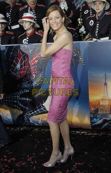 "ELIZABETH BANKS .""Spider-Man 3"" US premiere during the 6th Annual Tribeca Film Festival held at United Artist Kaufman Astoria Cinema 14, Queens, New York, USA..April 30th, 2007.spider man spiderman full length pink purple strapless dress.CAP/ADM/BL.©Bill Lyons/AdMedia/Capital Pictures *** Local Caption ***"