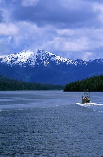 USA,ALASKA,INSIDE PASSAGE, WRANGELL NARROWS, FISHING BOAT