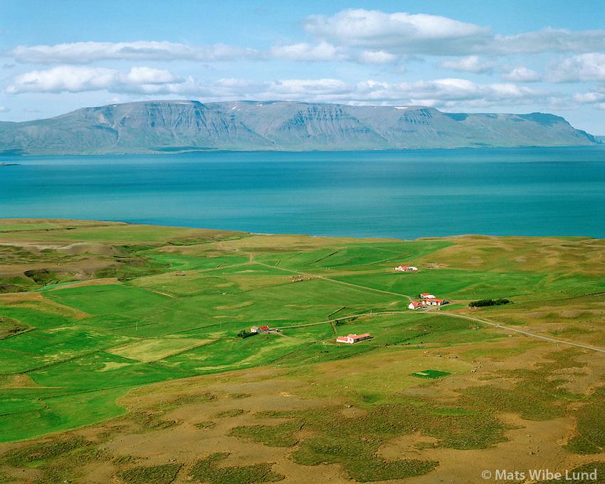Laufhóll og Brimnes séð til vesturs, Viðvíkurhreppur   /   Laufholl and Brimnes viewing west, Vidvikurhreppur.  -  New name of the county since June 1998:  Sveitarfélagið Skagafjörður  /  Sveitarfelagid Skagafjordur.