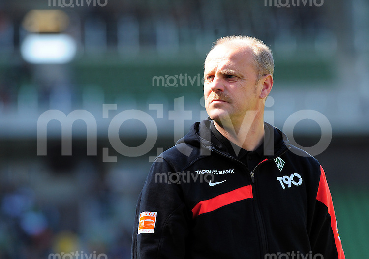 FUSSBALL  1. BUNDESLIGA   SAISON 2009/2010  30. SPIELTAG SV Werder Bremen - SC Freiburg                           10.04.2010 Trainer Thomas SCHAAF (SV Werder Bremen)