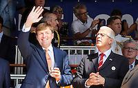 Nederland  Nijmegen 2016.  De Vierdaagse van Nijmegen. Koning Willem-Alexander en Marsleider Johan Willemstein op de Via Gladiola.  Foto Berlinda van Dam / Hollandse Hoogte
