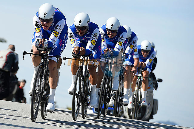 Quick-Step Floors team in action during the 1st stage of the race of the two seas, 52nd Tirreno-Adriatico by NamedSport a 22.7km Team Time Trial around Lido di Camaiore, Italy. 8th March 2017.<br /> Picture: La Presse/Fabio Ferrari | Cyclefile<br /> <br /> <br /> All photos usage must carry mandatory copyright credit (&copy; Cyclefile | La Presse)