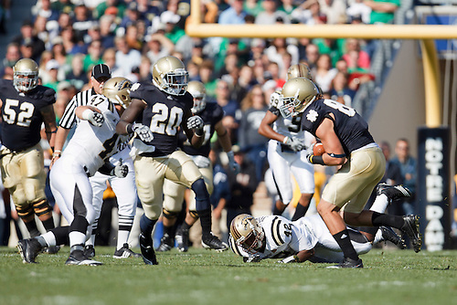 Notre Dame tight end Tyler Eifert (#80) runs for yardage after catch during NCAA football game between Western Michigan and Notre Dame.  The Notre Dame Fighting Irish defeated the Western Michigan Broncos 44-20 in game at Notre Dame Stadium in South Bend, Indiana.