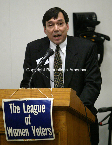 SOUTHBURY, CT 10/22/07- 102207BZ11- Southbury First Selectman Mark A.R. Cooper makes his opening statement during a debate sponsored by the Southbury League of Women Voters at the Southbury Town Hall Monday night.<br /> Jamison C. Bazinet Republican-American