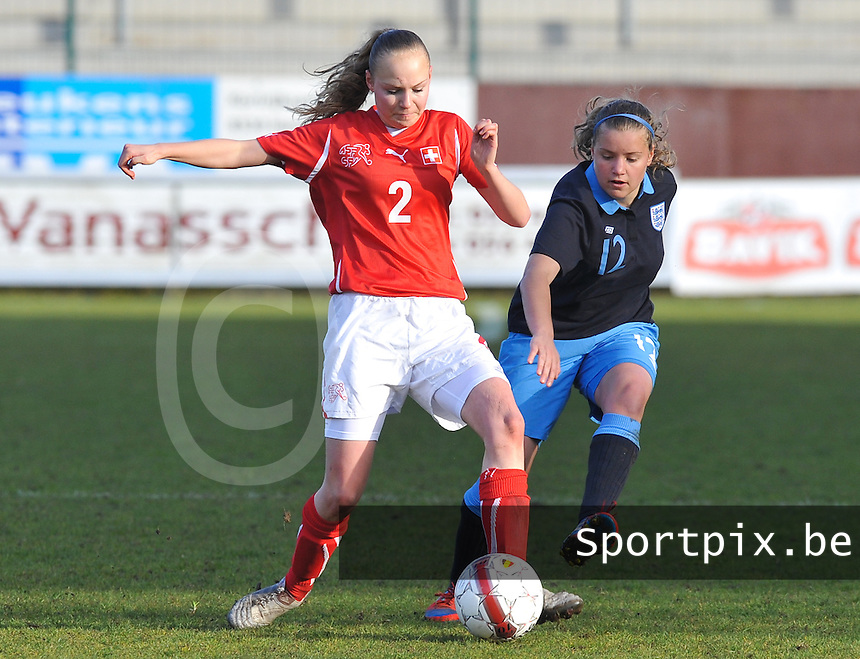 UEFA Women's Under 17 Championship - Second Qualifying round - group 1 : England - Switzerland : .Alessandra Abbuhl aan de bal voor Olivia Fergusson.foto DAVID CATRY / Vrouwenteam.be