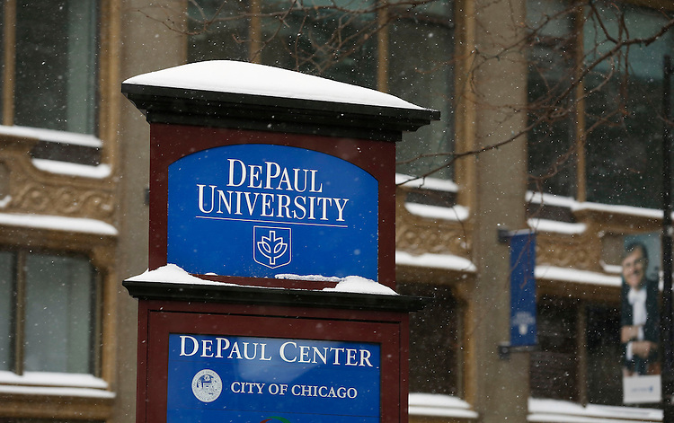 Snow falls on the Loop campus of DePaul University in Chicago Thursday, Jan. 2, 2014. The New Year brought two days of lake effect snows to the downtown campus.  (Photo by Jamie Moncrief)