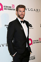 LOS ANGELES - MAR 4:  Liam Hemsworth at the 2018 Elton John AIDS Foundation Oscar Viewing Party at the West Hollywood Park on March 4, 2018 in West Hollywood, CA