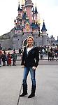 """©www.agencepeps.be/ F.Andrieu  - France - Paris - 131123 - Disneyland Paris - Adriana Karembeu sera la présentatrice du concours de mannequinat """"Top Model Belgium"""". Les concurrents venu à Paris pour le week-end de préparation on peut suivre les conseils d'Adriana venue les conseillers et les soutenirs avant la finale."""