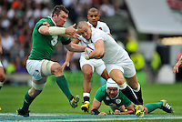 Mike Brown of England takes on the Ireland defence. QBE International match between England and Ireland on September 5, 2015 at Twickenham Stadium in London, England. Photo by: Patrick Khachfe / Onside Images