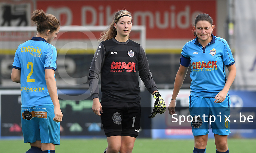 20191005  -  Diksmuide , BELGIUM : FWDM's defender Lisa Coppein , FWDM's goalkeeper Britt De Keyzer and FWDM's Sofie Huyghebaert  pictured during a footballgame between the womensoccer teams from Famkes Westhoek Diksmuide Merkem and KV Mechelen Ladies A , on the 5th matchday in the first division , 1e nationale , in Diksmuide - Belgium - saturday 5th october 2019 . PHOTO DAVID CATRY | Sportpix.be