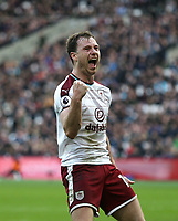 Burnley's Ashley Barnes celebrates scoring his side's first goal <br /> <br /> Photographer Rob Newell/CameraSport<br /> <br /> The Premier League - West Ham United v Burnley - Saturday 10th March 2018 - London Stadium - London<br /> <br /> World Copyright &not;&copy; 2018 CameraSport. All rights reserved. 43 Linden Ave. Countesthorpe. Leicester. England. LE8 5PG - Tel: +44 (0) 116 277 4147 - admin@camerasport.com - www.camerasport.com